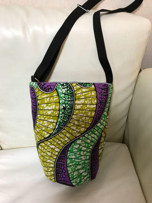 ハンドメイドマーケット+minne(ミンネ)|+アフリカ布の2wayバッグ