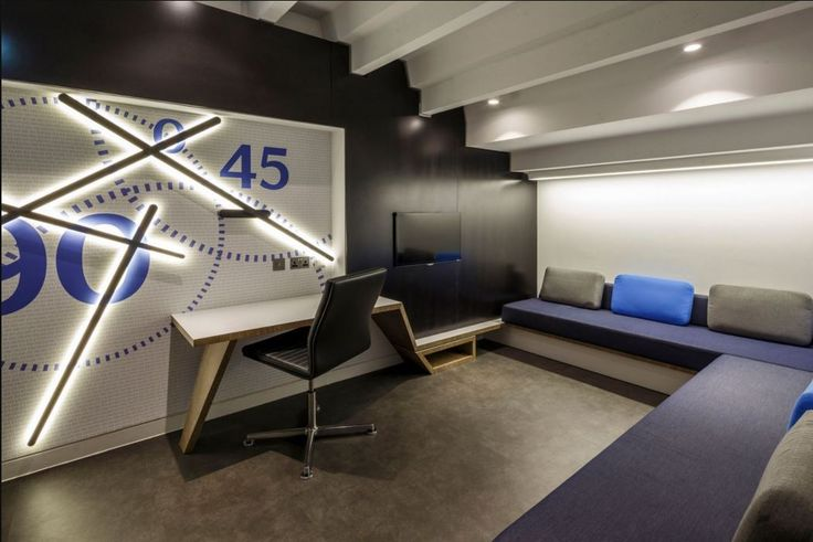Chelsea FC Locker and Tea Station project by KSS Design Group featuring ‪#‎SPARKS‬ wall lamp designed by Arik Levy. Photography: Gareth Gardner http://www.vibia.com/en/lamps/show/id/17051/wall_lamps_sparks_1705_design_by_arik_levy.html?utm_source=social&utm_medium=pinterest&utm_campaign=spks_chelfc&utm_content=pint_pubutm_term= ‪#‎interiordesign‬