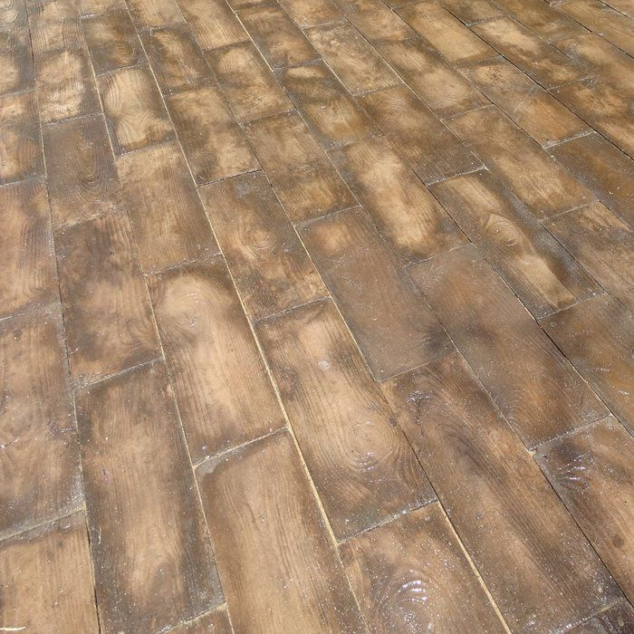 barnwood plank patio on a pallet paver
