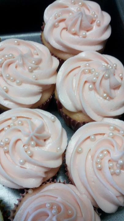Pink Champagne Cupcakes - yummy!