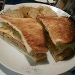 U.K WILDCATS - 料理写真:サンドイッチ、Newyorker。ツナとチーズでなかなかうまい!
