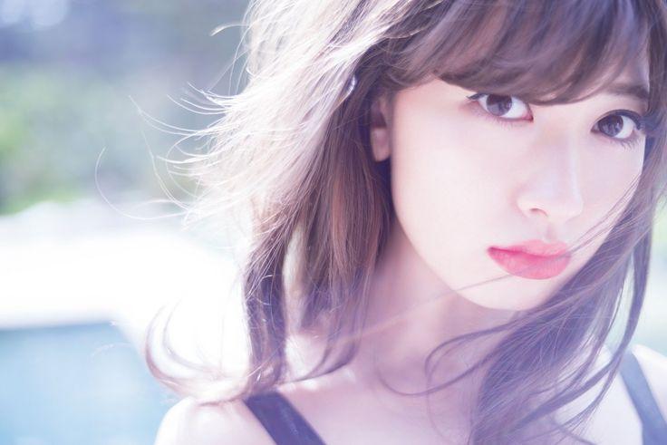 AKB48の小嶋陽菜のソロ写真集「タイトル未定」が、2015年3月24日に発売されることが決定した。 写真集は、アメリカ・ロサンゼルスと東京で撮影。小嶋が中心になって、水着や下着などの衣装から撮影シチュエーションなど決め