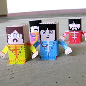 The Beatles Sgt. Pepper paper dolls ... fantastic  Lots of other  paper models in the site