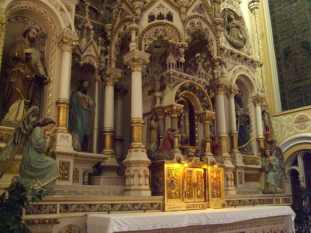 St. Michael Catholic Church, Old Town, Chicago, IL by catholicsanctuaries, via Flickr