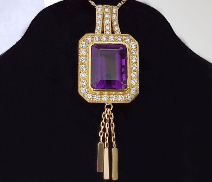 Large & heavy 18 kt Pendant with Amethyst & Diamonds - 16.34 carat  -!! NO RE...