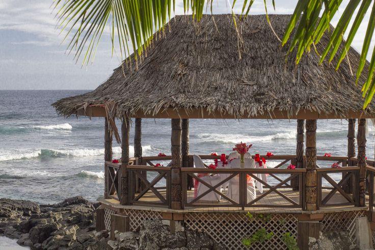 Romantic dinner date - Rock Pool Bar Fale Return to Paradise Beach Resort, SAMOA