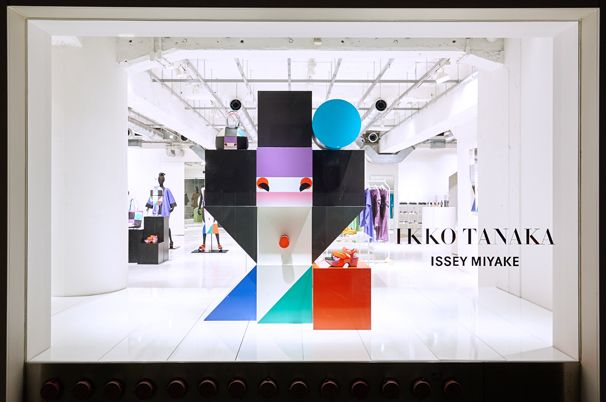 ELTTOB TEP ISSEY MIYAKE / GINZA 2016年2月 ショーウィンドウ1