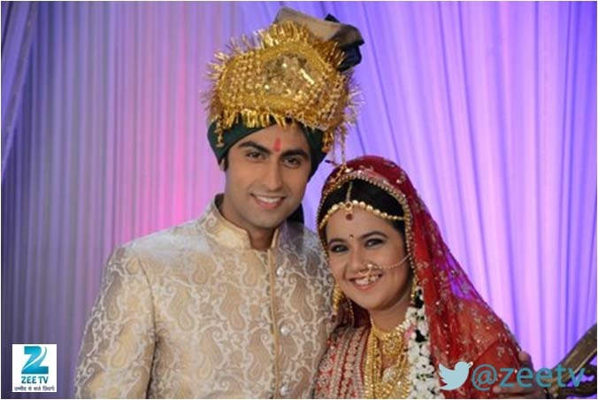 Sapne suhane ladakpan ke gunjan and mayank marriage