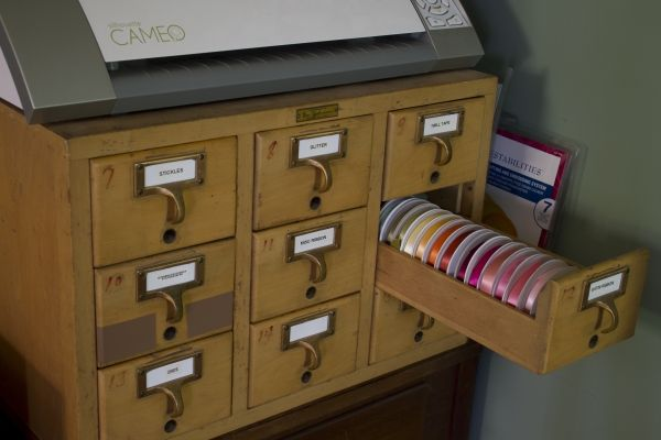 Get creative storage solutions from designer Anya Schrier! Plus, enjoy a tour of her creative space. Go here for an archive of the CardMaker blog team studio tours: http://www.cardmakermagazine.com/blog/?cat=24