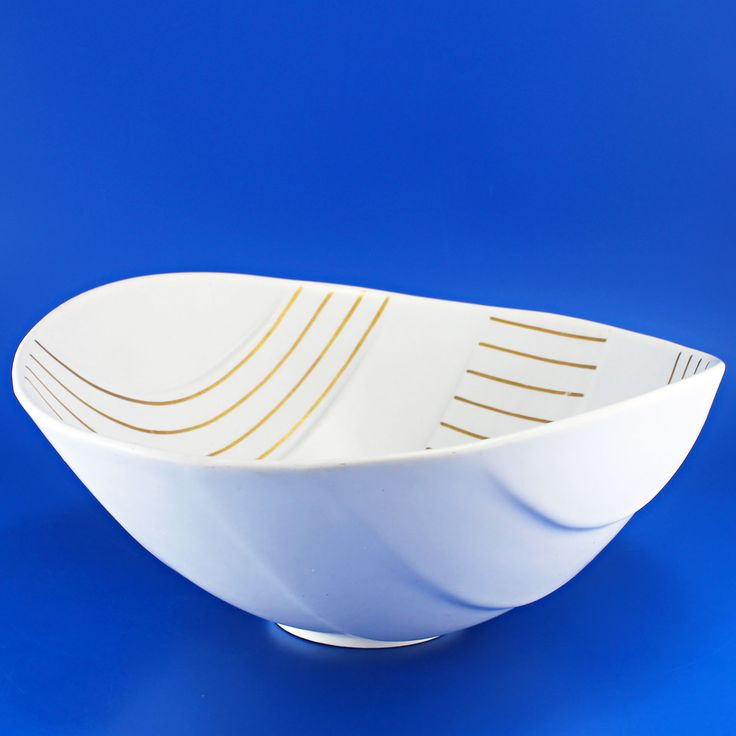 Wilhelm Kåge (Surrea 1936) Large enchanting bowl