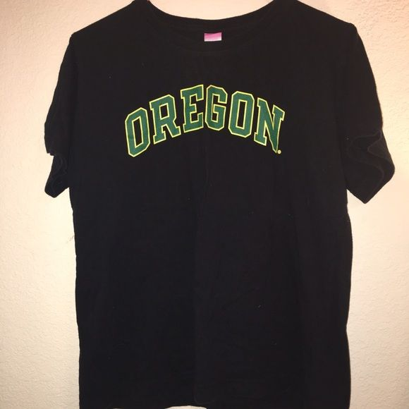 College shirt Black university of Oregon tshirt. Short sleeve Tops Tees - Short Sleeve