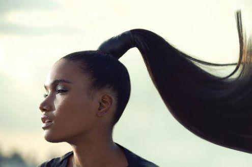 Resultado de imagem para rabo de cavalo em cabelo cacheado em mulher