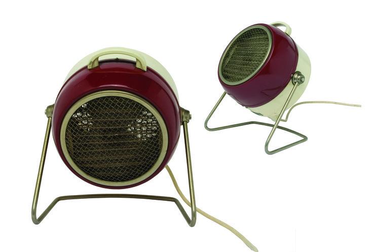 1960 -radiateur en métal teint bi-color beige-bordeau, collection privée © Solo-Mâtine