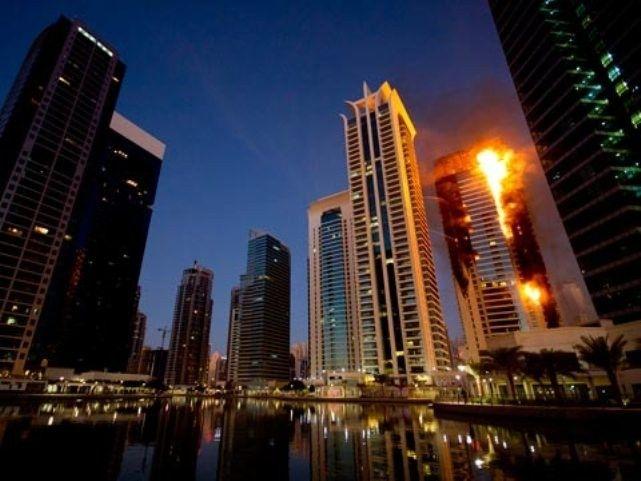 Gedung Perumahan Tertinggi di Dubai Alami Kebakaran | 23/02/2015 | Salah satu bangunantertinggi di dunia, Marina Torch Tower di Dubai mengalami kebakaran. Ribuan penghuni yang tinggal di gedung setinggi 336 meter pun langsung dievakuasi dan berhamburan keluar menyelamatkan ... http://news.propertidata.com/gedung-perumahan-tertinggi-di-dubai-alami-kebakaran/ #properti