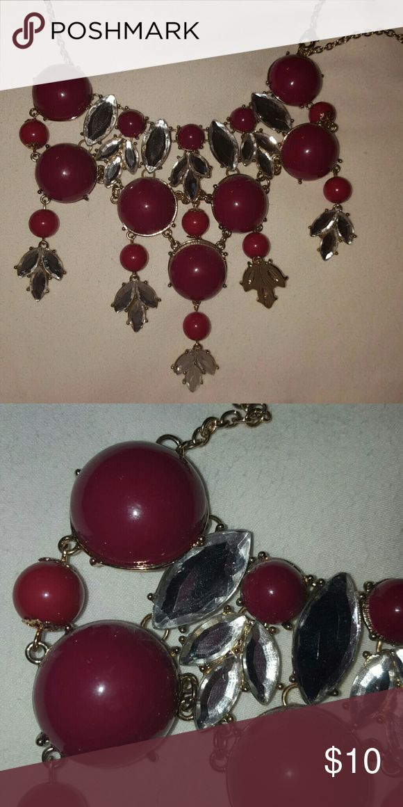 WINE RED BUBBLE NECKLACE WINE COLOR AND RHINESTONE TYPE JEWELED BUBBLE NECKLACE. Jewelry Necklaces