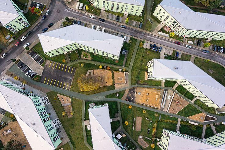 Housing in Köln Ostheim - Complete Renewal of a 1950s Housing Complex