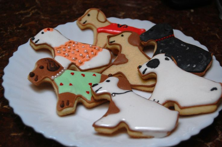 Dog Shaped Cookies for Humans | Life With The Animal Doctor: Dog shape cookies and Pupdates