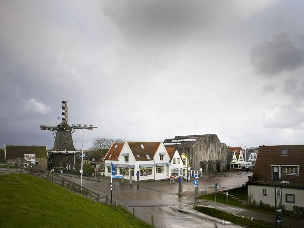 Typical Dutch scenery... but wait! That beautiful shed overthere is the new maritime museum by Mecanoo architects.