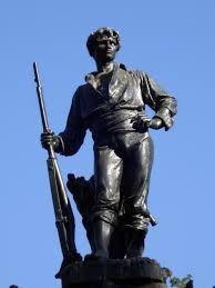 Estatua al roto chileno en la plaza del mismo nombre .