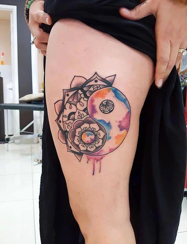 Empire Tattoos Gold Coast Australia artist Matt specialises in watercolour and neo-traditional tattoos. Tattoo watercolour yin yang