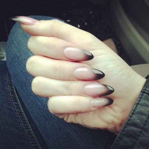 nail art edgy, black, almond shaped