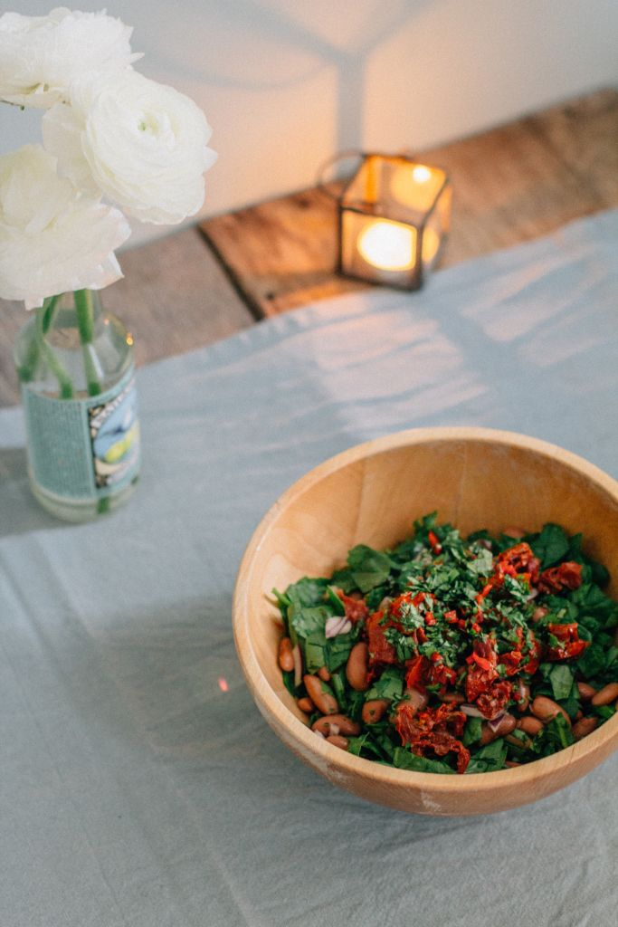 Beans and Spinach Salad with Cilantro, Sundried Tomatoes and Chili Pepper