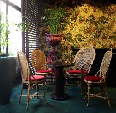 """""""Jardin Vauclair"""" : bar éphémère du Renaissance Paris Vendôme"""