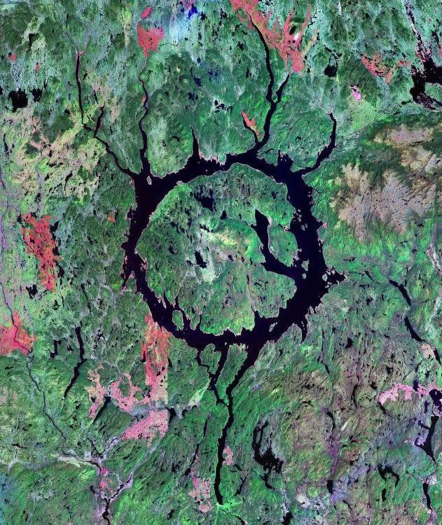 Manicouagan crater, Québec