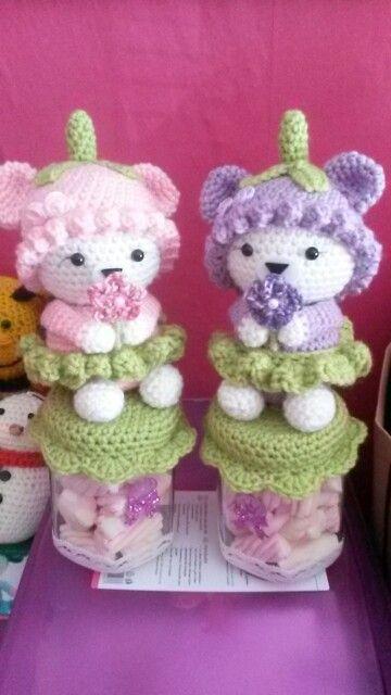 De zusjes Pink & Purple helenaal klaar