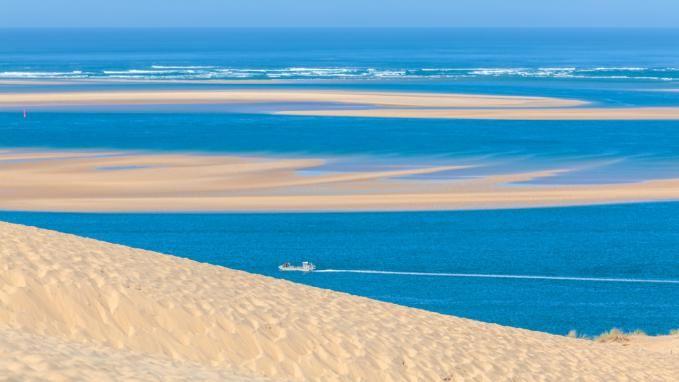 La Grande Dune du Pilat: situata sulla costa atlantica francese. Scoprila con il viaggio 'Bordeaux e la Costa Atlantica' firmato Boscolo.