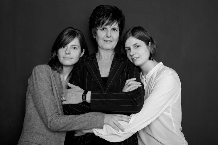 Moeder en Dochters - http://www.fotostudio27.nl/familie/
