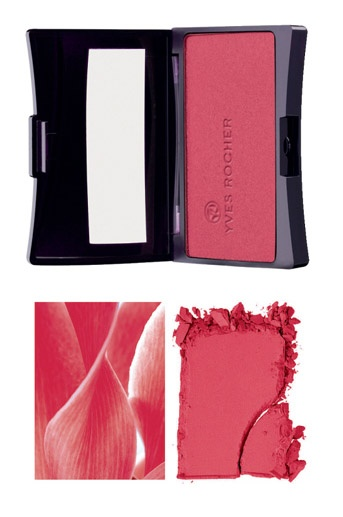 A veil of color thanks to Natural Blush in Red! @Yves Bonis Bonis Rocher USA #GrandRougeMoment  #yvesrocher