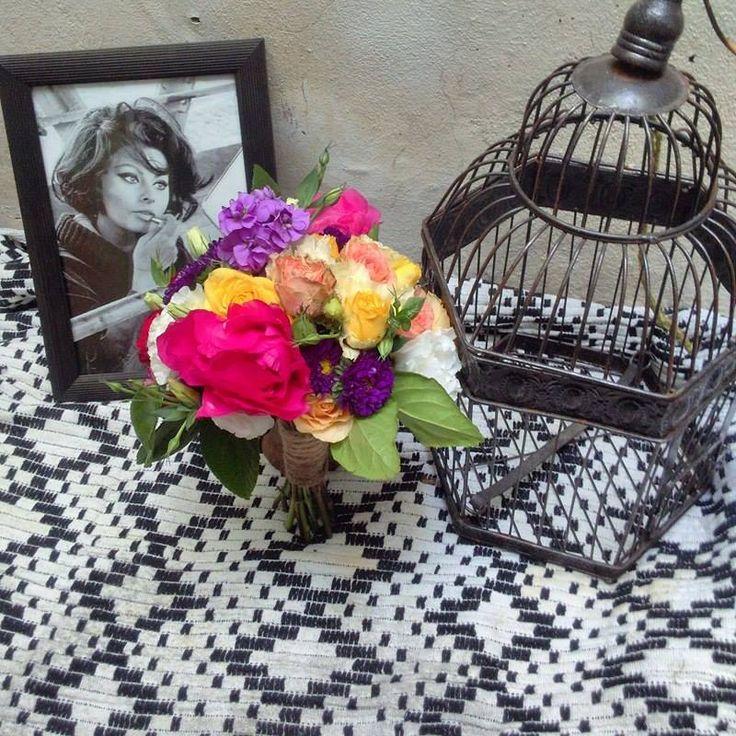 ramo inspirado en Sofía Loren. La más bella de todas  www.floresbohemia.com.ar