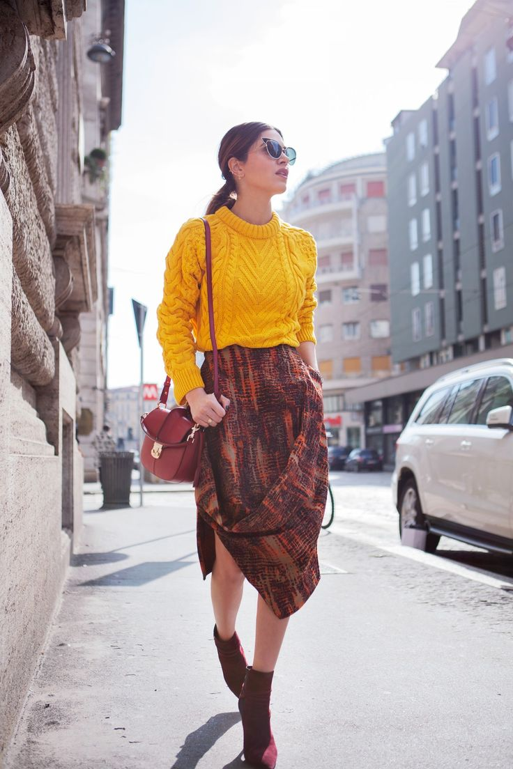 Negin Mirsalehi – Subtle Skirt Sophistication