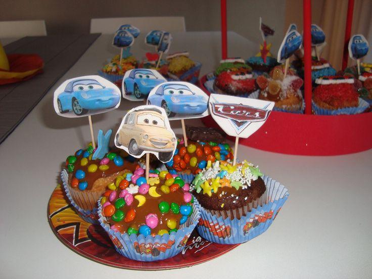 Cup cakes con topiarios personalizados