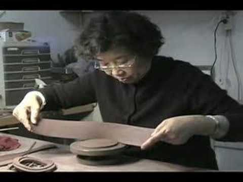Yixing Teapot demonstration by Mrs. Zhou Gui Zhen