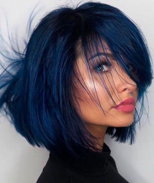 TUDO SOBRE PINTAR O CABELO DE PRETO AZULADO COM AZUL DE METILENO | Hair color for black hair, Blue black hair color, Short blue hair