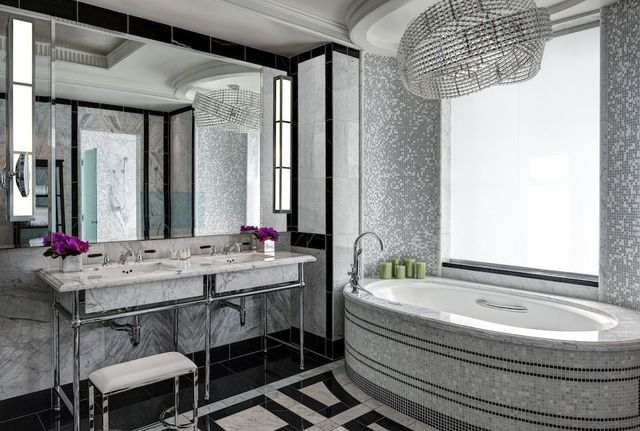 The Most Amazing Hotel Bathrooms in the US http://usatravel.about.com/od/USALodging/ss/The-Most-Amazing-Hotel-Bathrooms-in-the-US.htm?utm_campaign=crowdfire&utm_content=crowdfire&utm_medium=social&utm_source=pinterest