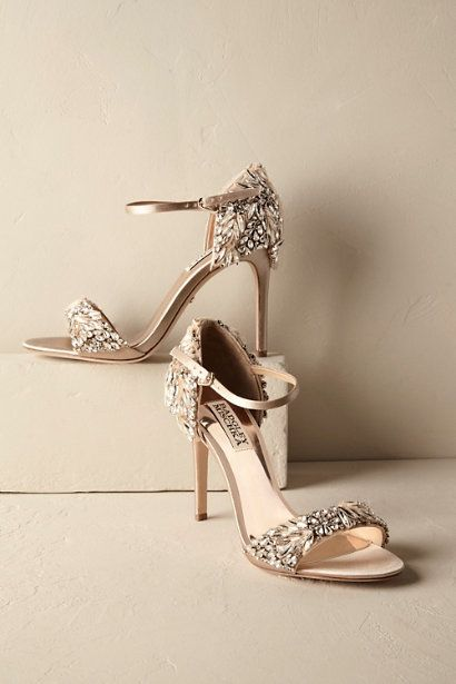 Dalle Heels Badgley Mischka shoes that are encrusted in crystals and jewels // wedding