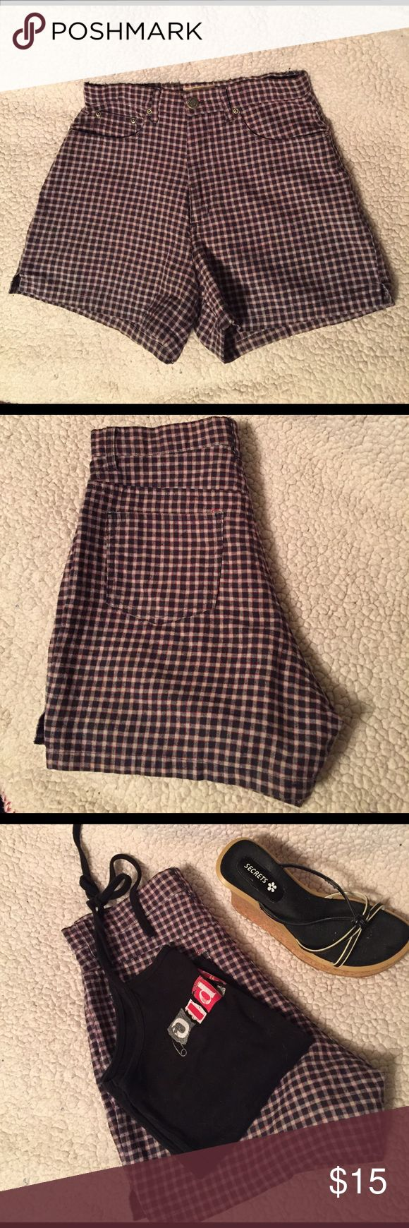 """⚡️SALE⚡️Shorts, County Seat, Black & Red plaid Vintage 90s County Seat shorts,  Black and red plaid.  Zip fly with one button and pockets. Waist is 26"""" and length is 13-1/2"""".  Great condition. County Seat Shorts"""