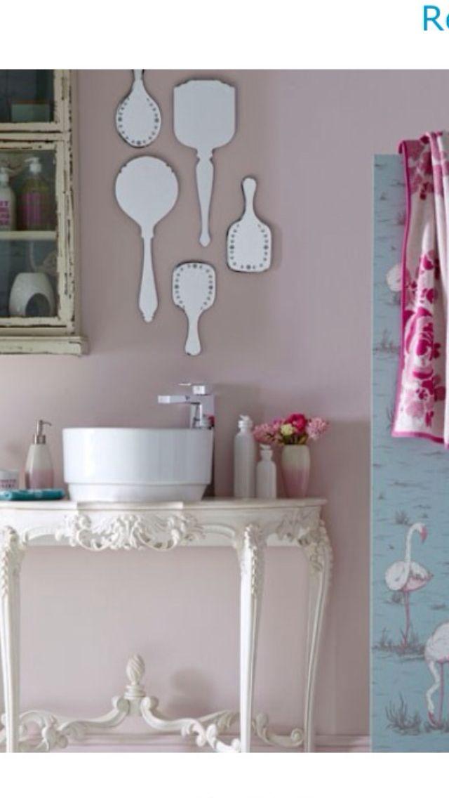 Shabby chic bathroom .... Love the mirrors!