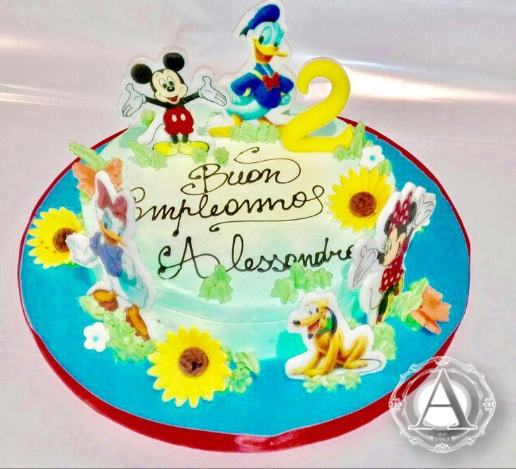 Per festeggiare Alessandro che ama i personaggi Disney. #buoncompleanno #tortepersonalizzate #tortacompleanno, tortespecialicompelanno #top