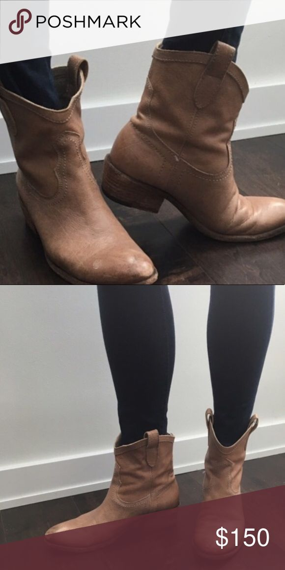 Fry Boots size 7 1/2 Fry Boots size 7 1/2 Frye Shoes Ankle Boots & Booties
