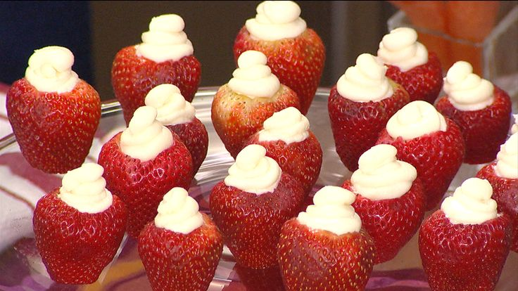 Nutritionist Joy Bauer shares her recipes for cheesecake-stuffed strawberries and a healthier version of General Tso's Chicken.