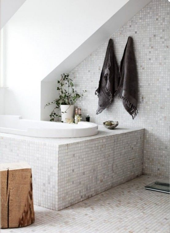 Clever use of space for a subtle towel nook - Casual Nordic Interior In Black, White And GreyBathroom Design, Tubs, Scandinavian Interiors, Interiors Design, Colors Schemes, Master Bath, Bathroom Ideas, Mosaics Tile, Attic Bathroom