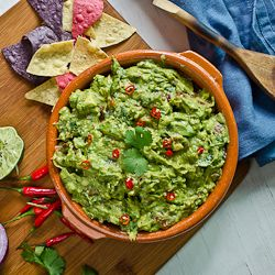 smoky chipotle guacamole smoky chipotle guacamole dip is a great party ...