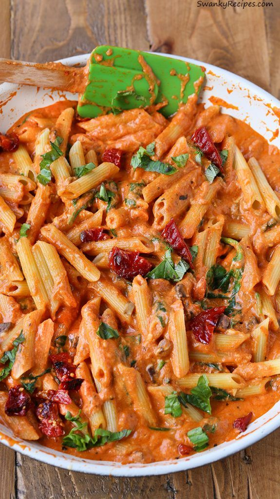 Cheesy Mozzarella Penne Rosa Pasta with Sun Dried Tomatoes