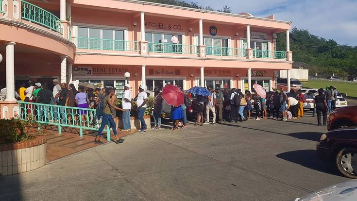 Imagine seeing this...Movie palace sold out all tickets for black panther. This is what the line looked like at 4:20pm....this is indeed a #marvel  #blackpanther #blackpanthermovie #blackpanthers #wakanda #wakandaforever #movie #grenada  #puregrenada