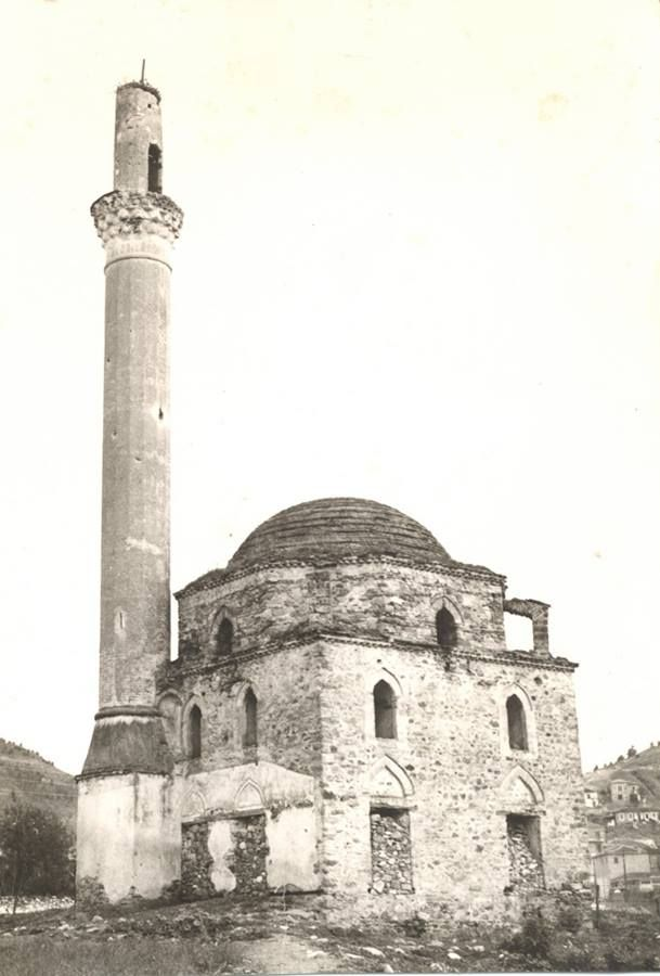 Elassona,  3rd qu. 16th ct. You can see the marks of the bulits on the Minaret from where one or two Hotza's where shooting against the Hellenic army on 6th October 1912.