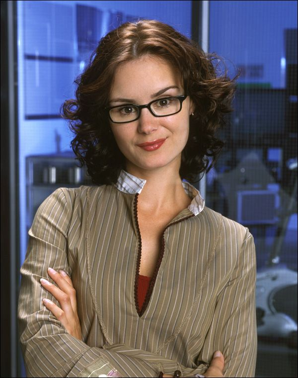 Keegan Connor Tracy is a Canadian actress known for her roles as the ill-fated Kat Jennings in Final Destination 2 (2003)